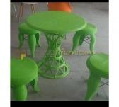 Panen Raya MEJA PLASTIK ZEUS HB-10 (HIJAU) 60x60 TIDAK TERMASUK KURSI